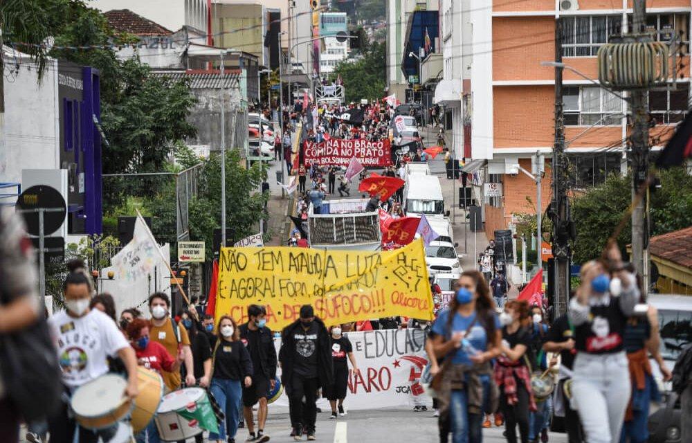 Florianópolis tem novo protesto contra Bolsonaro