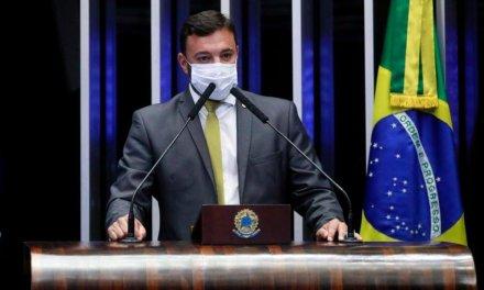 """Daniel Freitas: """"Falei a Bolsonaro que estou à disposição para disputar o Senado"""""""