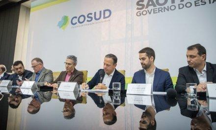 Em crise com Stf, Bolsonaro reaglutina governadores com falas sobre preço dos combustíveis