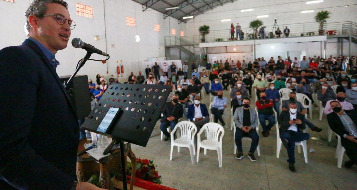 """Lucas Esmeraldino: """"A política nova e a velha se encontraram e resolveram atender a população"""""""