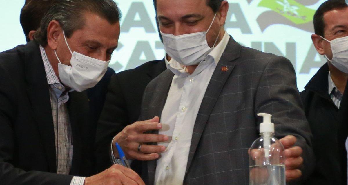 Júlio Garcia volta ao palco para celebrar parceria com Moisés
