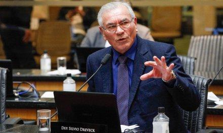 """Sílvio Dreveck: """"Se depender de nós, Joares Ponticelli continua pré-candidato ao governo"""""""