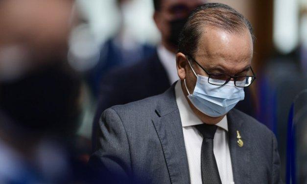Jorginho Mello pede vista e adia por uma semana discussão sobre volta das coligações no Senado