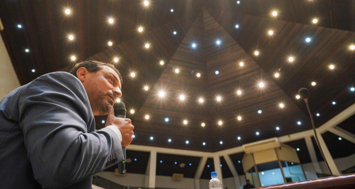 20 governadores assinam carta rebatendo Bolsonaro sobre Icms dos combustíveis. Moisés não é um deles