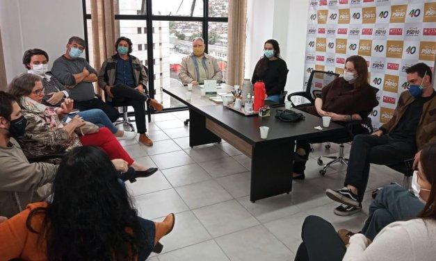 Partidos de esquerda de Florianópolis se reúnem para debater protestos contra Bolsonaro