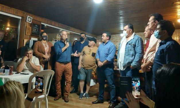 Soltos no tabuleiro em SC, Psb e Dário Berger conversam sob olhar do paulista Márcio França