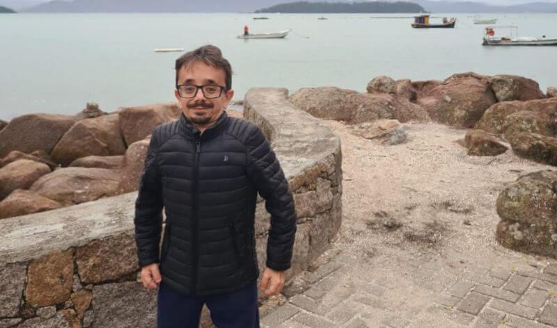 Gabrielzinho deixa secretaria no governo Gean e volta para a Câmara de Florianópolis